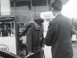 Esso-Tankwart-1955